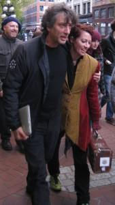 Neil Gaiman and Amanda Palmer in Gastown